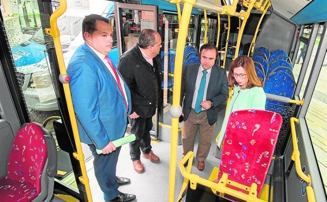 El autobús urbano que unirá la zona oeste y el centro comenzará sus pruebas en mayo
