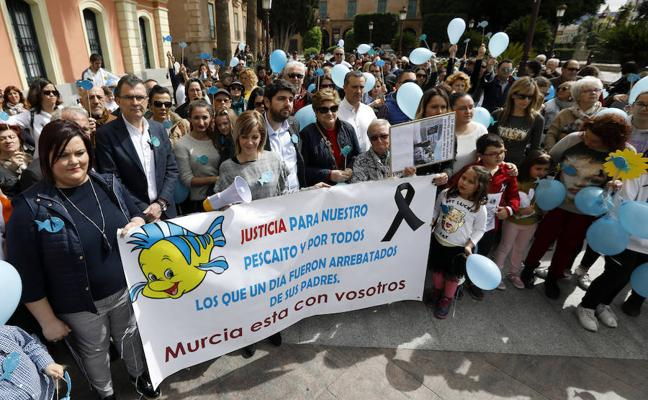 Concentración en Murcia a favor de la prisión permanente revisable