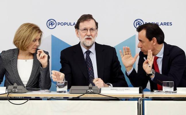Rajoy exhibe serenidad ante los suyos pese al creciente malestar social