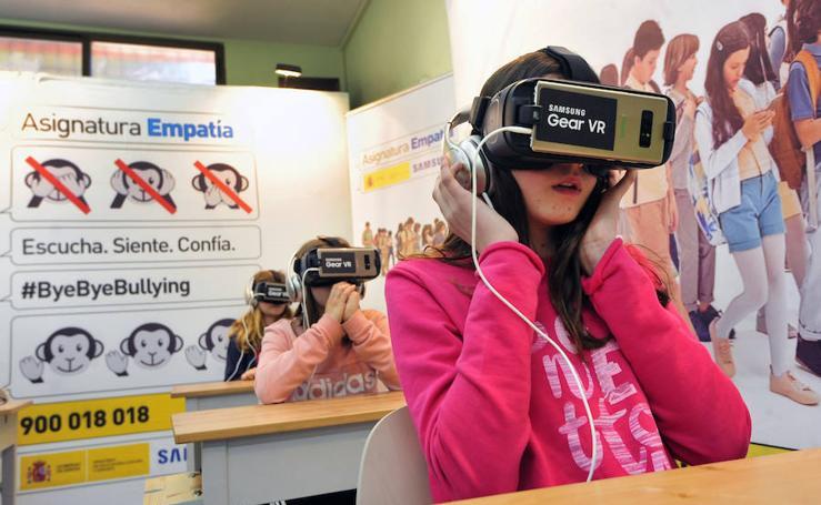 Casi 1.500 alumnos de la Región experimentan un caso de acoso escolar gracias a la realidad virtual