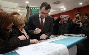 Los murcianos vestirán a la Fuensanta con un nuevo manto bordado colectivamente
