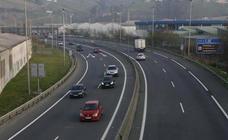 La DGT empieza a poner multas de 200 euros por una práctica muy común en las autovías