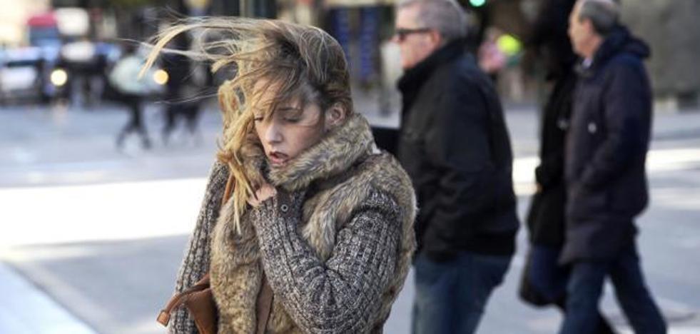 Madrugada de fuertes vientos y entrada fría de la primavera en la Región