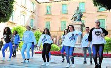 El Ayuntamiento invita a bailar a 12.000 jóvenes el día del Bando en La Repanocha