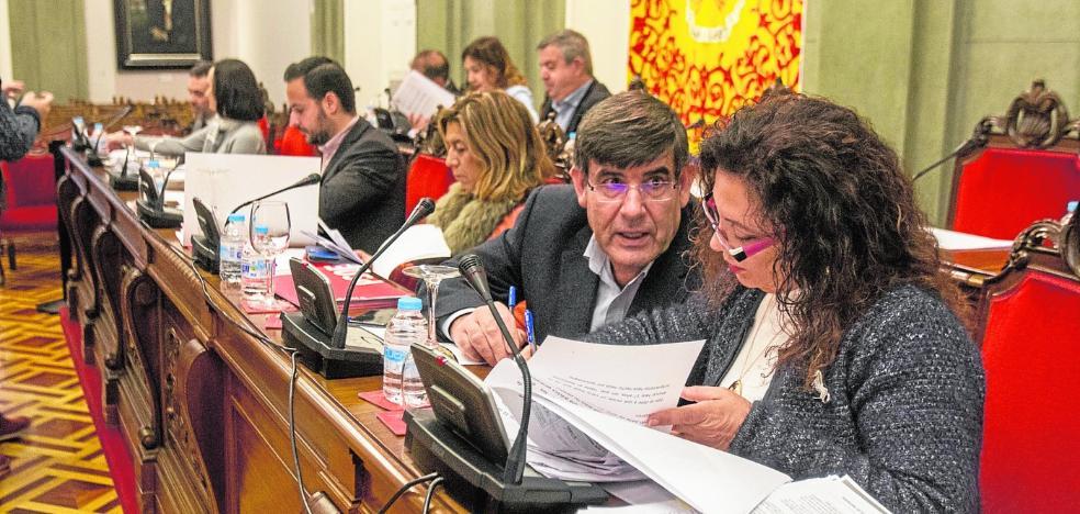 El tercer Pleno de más de siete horas limita la acción de gobierno y apenas da soluciones