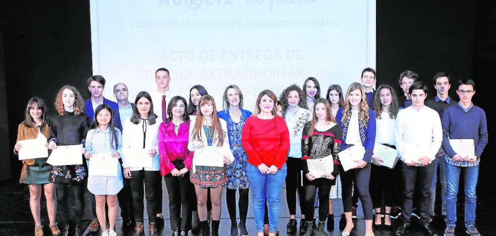 Veintidós alumnos reciben los premios extraordinarios de ESO y Bachillerato