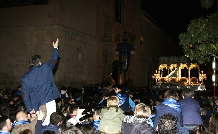 Miles de lorquinos acompaán a la Dolorosa en el primer desfile de Semana Santa
