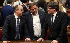 Puigdemont y los otro cinco políticos huidos de la justicia