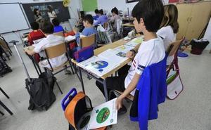 Los colegios deberán reducir al mínimo la lista de libros de texto obligatorios