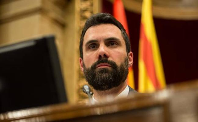 Debate simbólico en el Parlament: Torrent da la palabra a los grupos ante la «situación grave que vive el país»