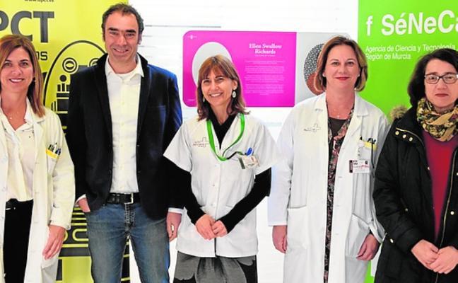 Clausuran en La Arrixaca una exposición sobre científicas