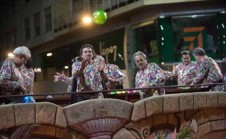 Lluvia de sensaciones en el desfile del Entierro