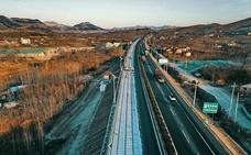 China prepara su asfalto para el coche eléctrico