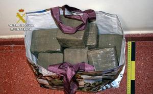 Pillado con 15 kilos de hachís en la A-7, a la altura de Puerto Lumbreras
