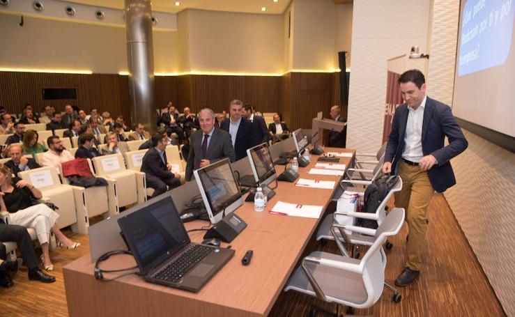 Teodoro García habla sobre el 'BlockChain' ante 200 empresarios