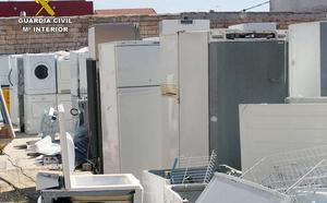 Tres detenidos en Las Torres por exportación y venta ilegal de electrodomésticos