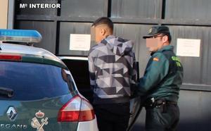 Acusan a cuatro menores de quince saqueos en Torreagüera y Los Ramos