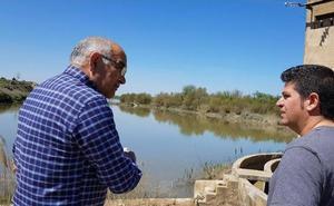 Garre recorre la ribera del Ebro tras la crecida: «Los afectados están hartos»