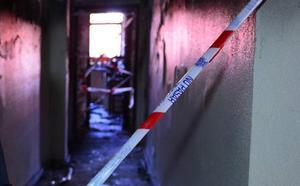 Tres menores y dos adultos rescatados en un incendio en Alcantarilla