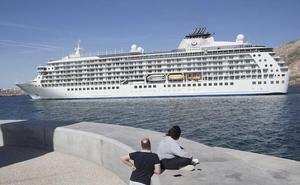 Así es 'The World', el 'buque de los millonarios' que atraca hoy en Cartagena