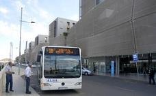 MC pedirá la instalación de marquesinas en las paradas de autobús del Santa Lucía