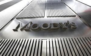 Moody's sube la nota de la Región, que sigue por debajo del aprobado
