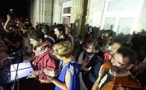 MC atribuye a Castejón un gasto en López Miras que en realidad fue de 13 invitados de las fiestas