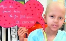 Piden ayuda para tratar a una niña con cáncer en una clínica de Pamplona