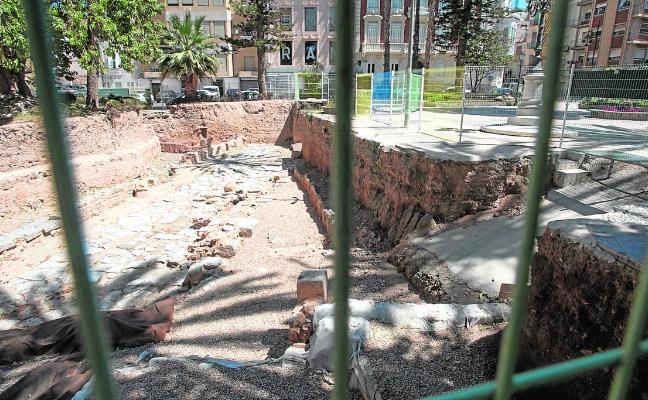 El parón en los yacimientos arqueológicos agrava el deterioro del casco histórico