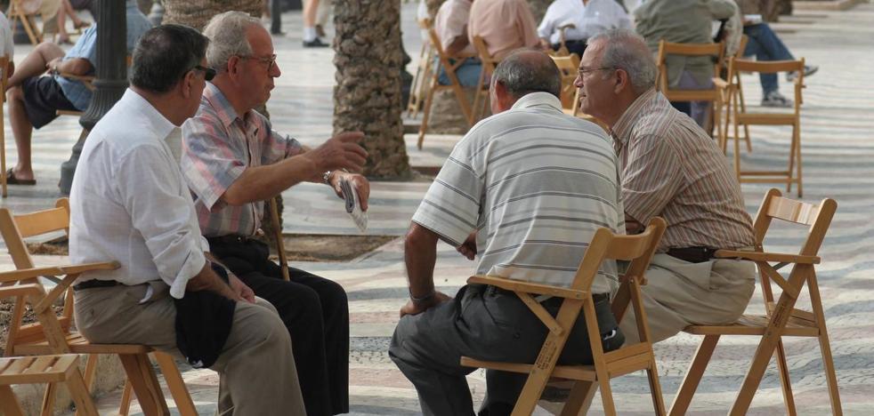 Los pensionistas murcianos son los únicos que siguen 'copagando' de más