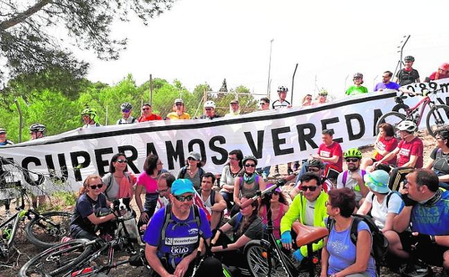 Marcha en defensa de las vias públicas