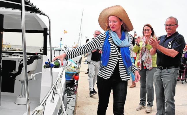 El primer barco de turismo marinero ofrece conocer especies y pesquerías del Mar Menor