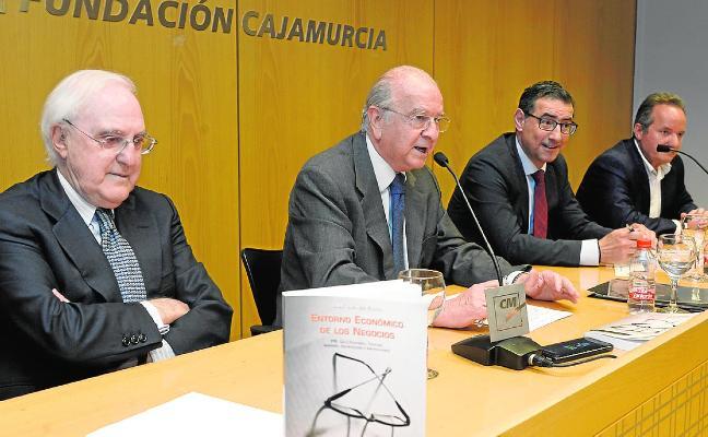 Enrique Egea da las claves del desarrollo de las empresas en su último libro
