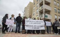 Torralba promete a los vecinos de Cartagena Joven reparar el alumbrado