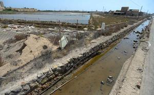 Un patrimonio en ruinas junto al mar