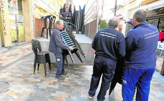 Hostecar se plantea gestionar las sillas de Semana Santa para mejorar el servicio
