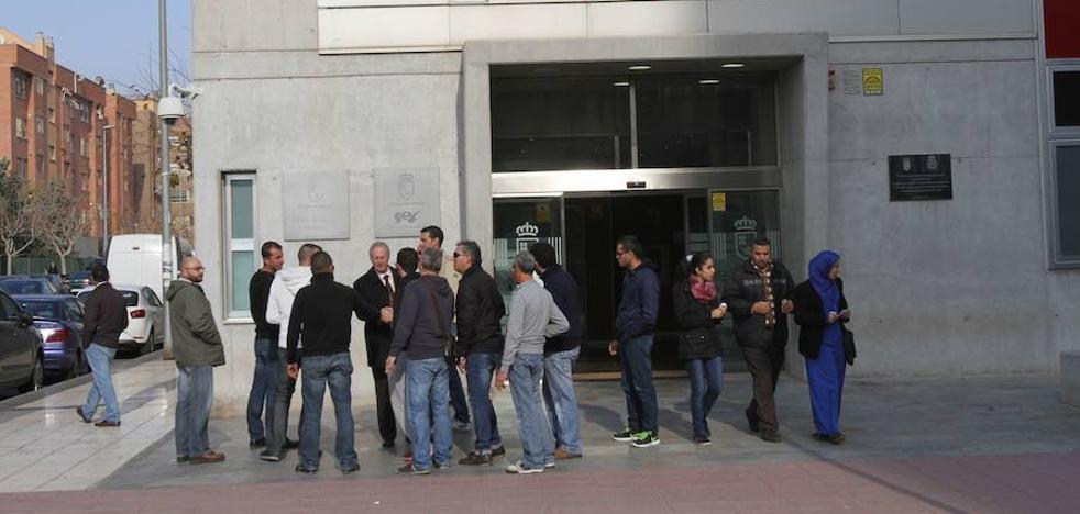 Murcia cierra el primer trimestre entre las regiones donde más crece el paro