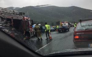 La lluvia provoca un accidente múltiple con cuatro heridos en el Puerto de la Cadena