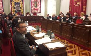 Castejón suspende definitivamente el Pleno tras afirmar López que en Podemos «se lo llevan graciosamente»