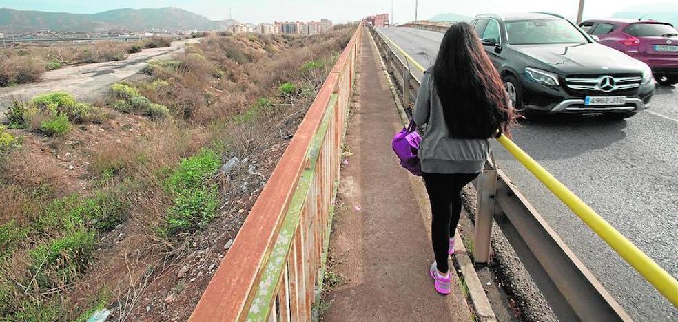 Castejón evita el bloqueo total en las obras gracias al Plan de Barrios de la Comunidad
