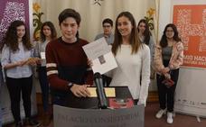 Cristina Fernández Cubas y Álvaro García ganan los premios literarios Mandarache y Hache
