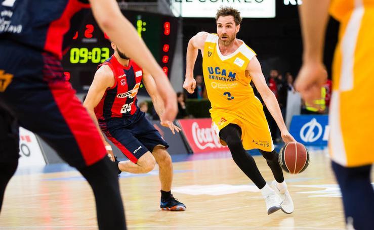 Al UCAM le quitan el derecho a ganar en Vitoria y cae ante Baskonia (87-85)