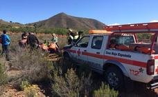Rescatan a una senderista accidentada en Chuecos
