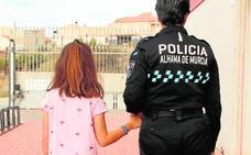 Una pulsera infantil para no perderse en Los Mayos