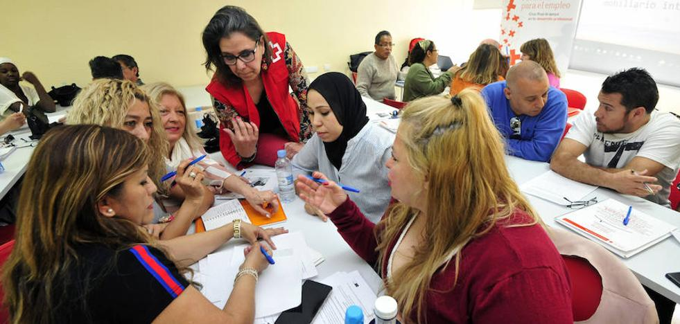 Más de 1.300 murcianos encontraron un empleo en 2017 gracias a Cruz Roja