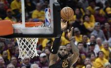 LeBron James pone a los Cavaliers en la final del Este