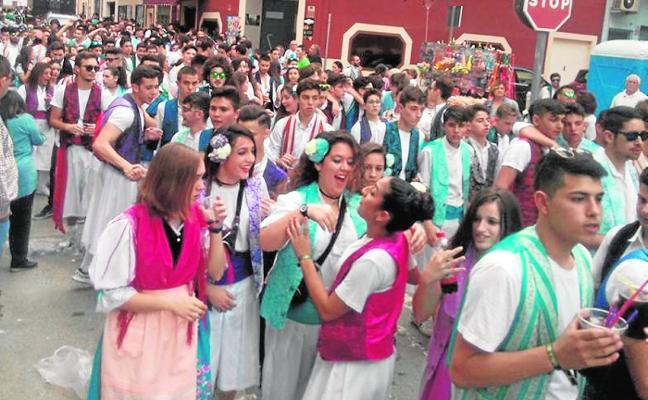 San Isidro viste de primavera y fiesta cada rincón del municipio de Mula