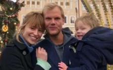 Las redes sociales culpan a la novia de Avicii de su suicidio
