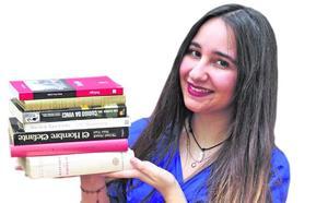 «Si acaban en manos que los aprecien, los libros abandonados vuelven a la vida»