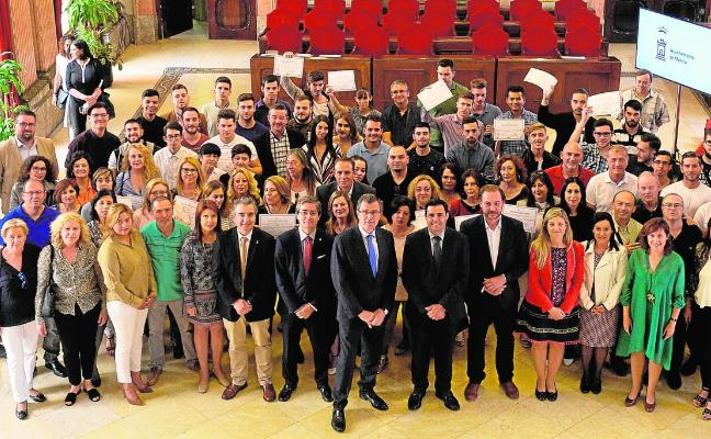 Siete de cada 10 alumnos de programas mixtos de empleo acaban con contrato